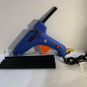 glue gun with 6 free glue sticks
